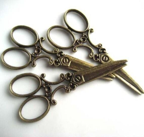 scissor  pendant - vintage style antiqued brass  - 60 mm long  - 4 pcs - pm15