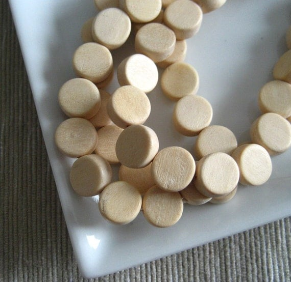 Whitewood beads  - white wood  beads  flat coin  disc  - 10  mm  22  pcs - ph210