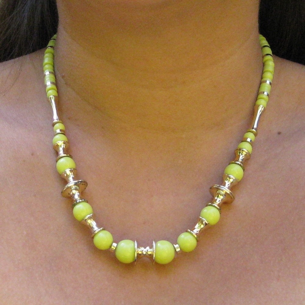 vintage neon green and gold bead necklace costume jewelry