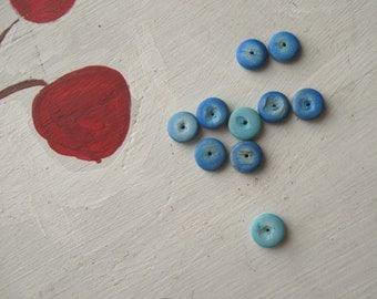 VINTAGE BLUE BEADS Geometric Boho Seventies Wood Round