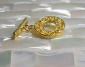 Clasp Toggle Oval ornate gold vermeil