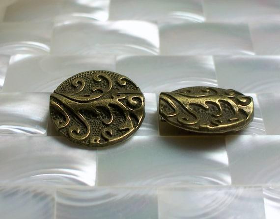 Bead set Brass tone Alloy metal Coin shape 2pcs 20mm