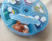 6 sections round container with colourful little mushroom buttons