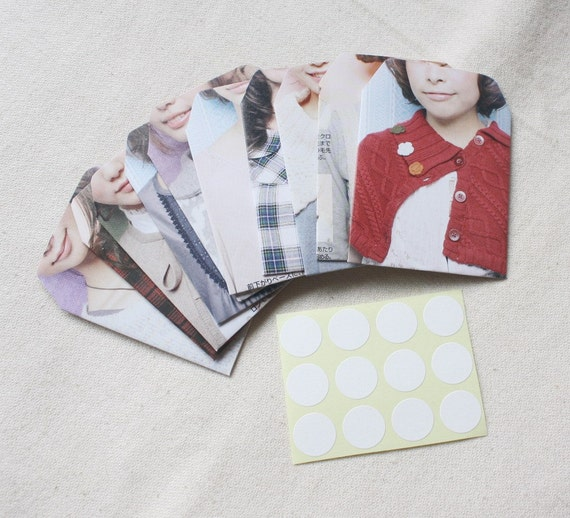 Little envelopes made from recycled Japanese magazine with seals-Collar