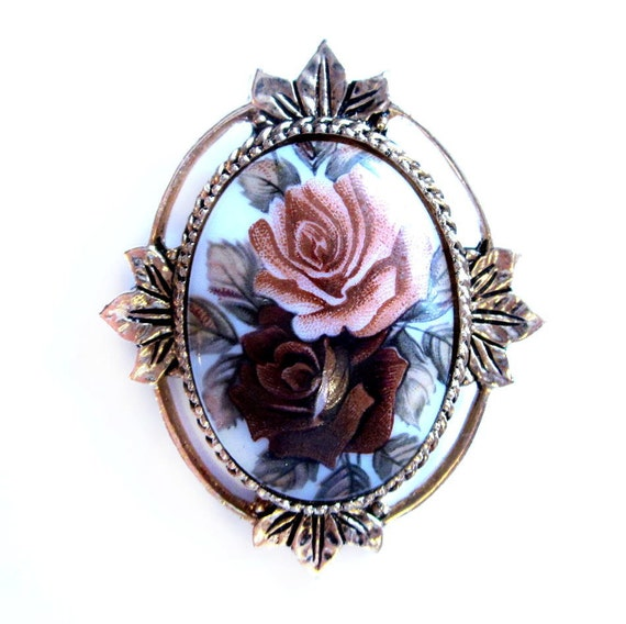 Signed Sarah Coventry Flower Glass Cameo Brooch
