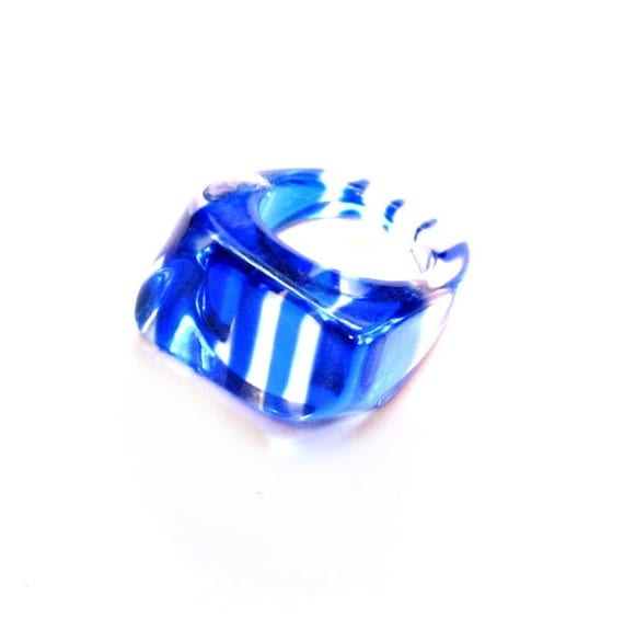 Vintage Lucite Ring, Blue Striped Plastic, Costume Jewelry