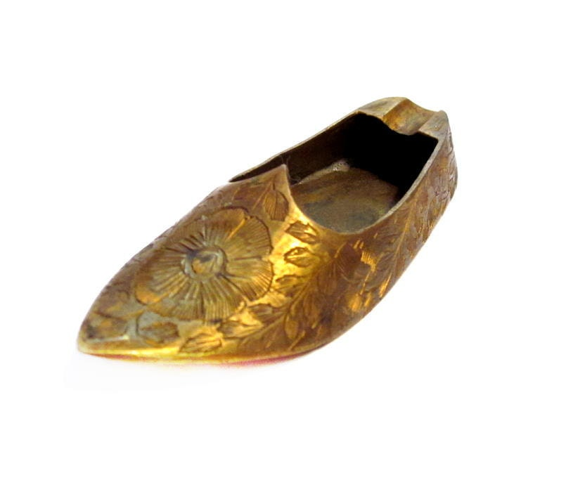 Vintage Shoe Ashtray Brass Metal Etched Pointy Toe Shoe