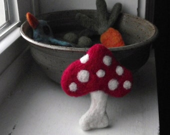 Needle Felted Brooch Pin Red Mushroom Boutonniere