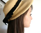 1950 Vintage Woven Straw and Black Velvet  Ribbon Hat  from Pudding