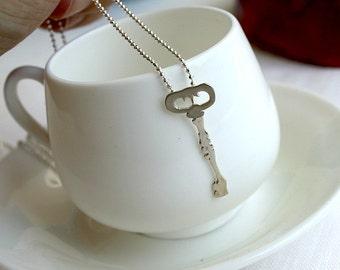 Old Times Skeleton Key Necklace