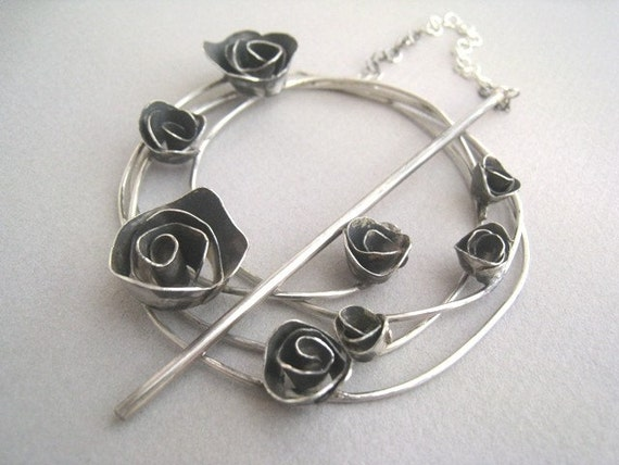 Become Rose Garden Shawl Brooch - Pin