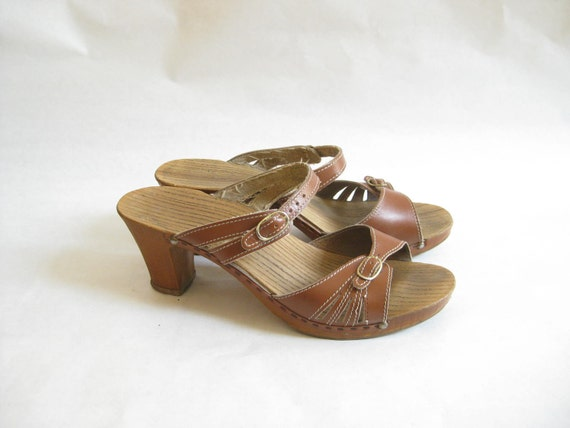 Vintage 70s Dr Scholls Leather   Platforms. Sandals. Size 8