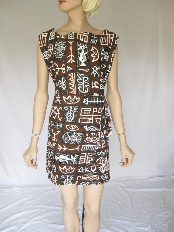 Vintage 1960s Mod Tiki  Hawaiian  Dress. Large