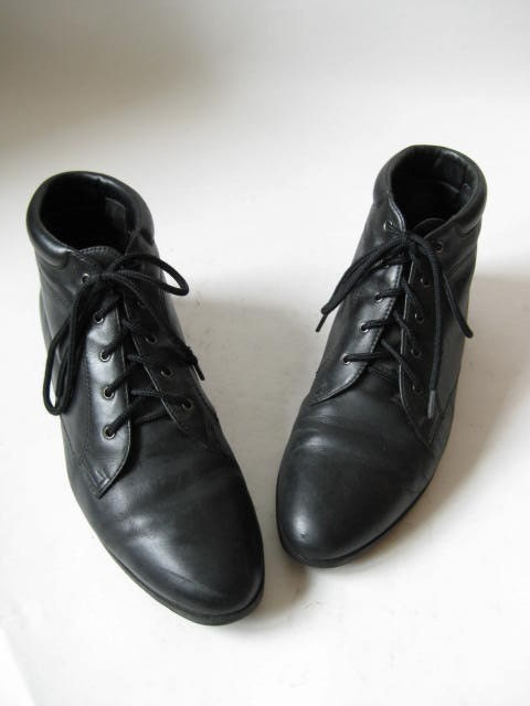 VINTAGE 80s Black Leather Danexx Flat Lace Up ANKLE GRANNY