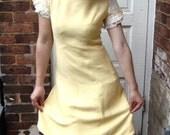 SALE - Daffodil Dreams Vintage Dress - Small