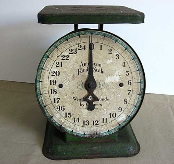 Antique Kitchen Scale: Antique 1920 Vintage Kitchen Scales In Old Green Aged Paint