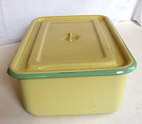 Vintage 1930 S Butter Yellow W Jadeite Green Rim Enamel