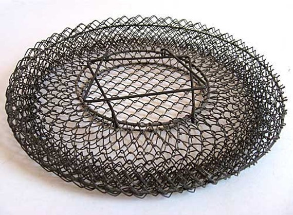 1920 Vintage Wire Mesh Collapsible Hanging Egg or Utility Basket, Folding Handles