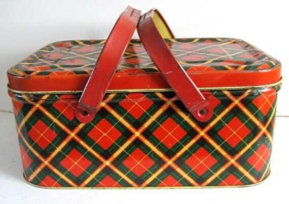 Nice 1950 S Tin Picnic Basket Red Green By Kelleystreetvintage