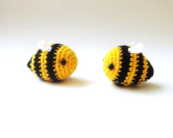 bees -  bumble bees set of 2 love couple valentine
