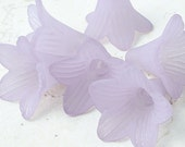 6 LIGHT AMETHYST PURPLE Lucite Flower Bead Frosted 21mm x 23mm Large Trumpet Flower Tiger Lily Cone Beads Pale Purple Lavender Lilac Pastel