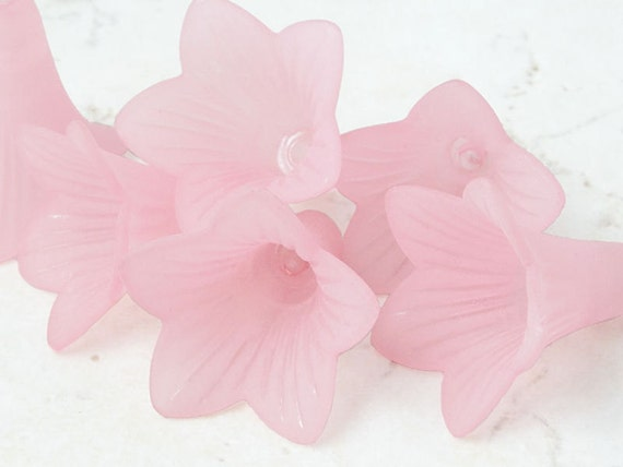 6 LIGHT PINK Flower Beads Lucite Flower Bead Frosted 21mm x 23mm Large Trumpet Flower Tiger Lily Cone Beads Light Rose Pastel