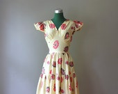 1930s vintage Dress / Cotton Maxi Dress with Sunflowers and Flutter Sleeves