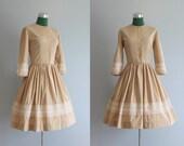 Vintage Dress / 1950s Nude Beige Dress / 50s Full Skirt Dress