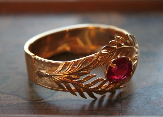 50s 60s Exotic and Exquisite Bangle Bracelet