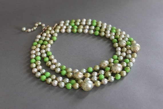 Vintage Necklace / 1950s Faux Pearl Necklace / 50s 60s Green Multi Strand Necklace