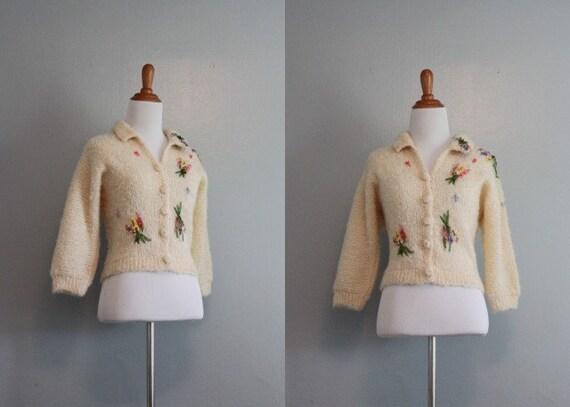 50s Cardigan / Vintage 1950s White Cardigan / Floral Embellishments / Dolman Sleeve Cardi