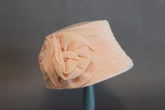 Vintage Hat / 1960s Cream Beige Rose Hat / Vintage 50s Hat
