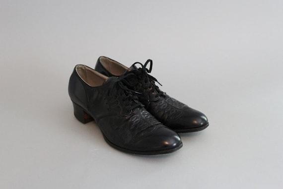 1930s Brogues / Vintage Shoes / 30s Black Leather Oxfords