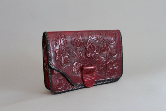 Vintage Bag / 1950s Red Tooled Leather Clutch / Vintage Leather Bag