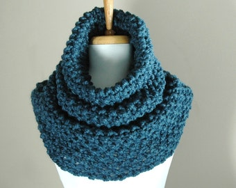 Denim Blue Chunky Scarf, Knit Infinity Scarf Cowl Hood, Circle Scarf, Oversized Cowl, Womens Winter Scarf Cowl, Knitted Scarf, Knitted Cowl