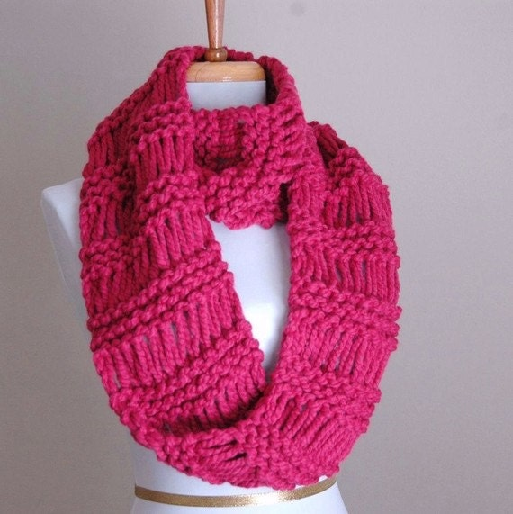Raspberry Pink  Infinity Scarf, Knit Circle Scarf, Chunky Scarf, Hand Knit Infinity Scarf, Women Scarves, Knitted Winter Scarf, Wool Scarf