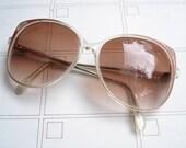 Red Corner Round Sunglasses