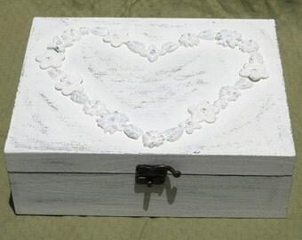Creamy Shabby Chic Home Decor JEWELRY BOX, jewelry organizer, jewelry box vintage