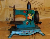 Vintage Lindstrom's Little Miss Toy Sewing Machine