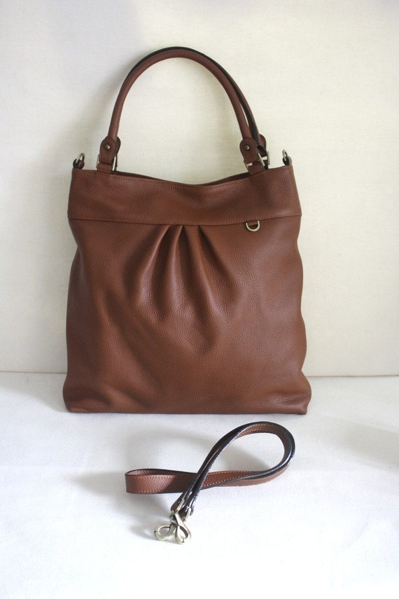"""Last 1 - SALE - Christmas promo 15% off use coupon code """"christy15""""  - The chotto tote / messenger - grained leather - whisky"""