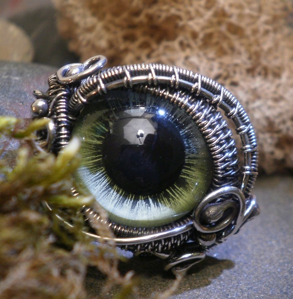 Sterling Silver Steampunk Green Eye Ring sized 10 and a half