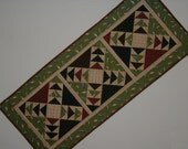 Quilted Wild Goose Chase Table Runner - Fish (UNTRG)