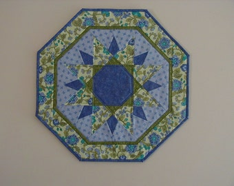 Quilted Sun Burst Table Topper (EDTTS)