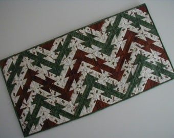 Quilted Table Runner - Indian Hatchet (UNTRH)