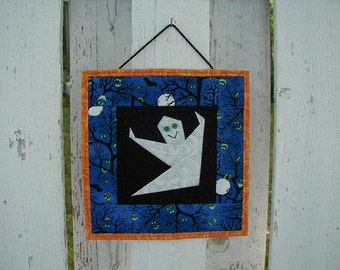 Quilted Wall Hanging - Ghost (HWHE)
