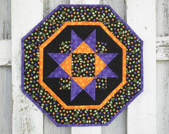 Quilted Star Table Topper - BOO (HTTF)