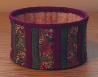 Quilted Fabric Bowl - Holly (XbowlM)
