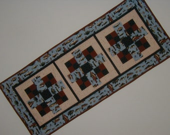 Quilted Table Runner - Fish (UNTRD)