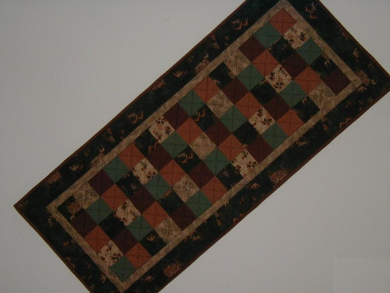 Quilted Table Runner - Up North (UNTRE)