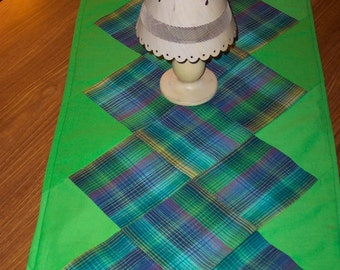 Country Table Runner